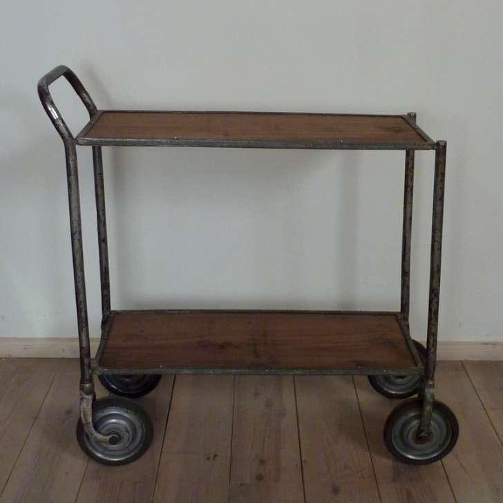 Industrie servierwagen antiquit ten berlin antikm bel for Industrie mobel berlin
