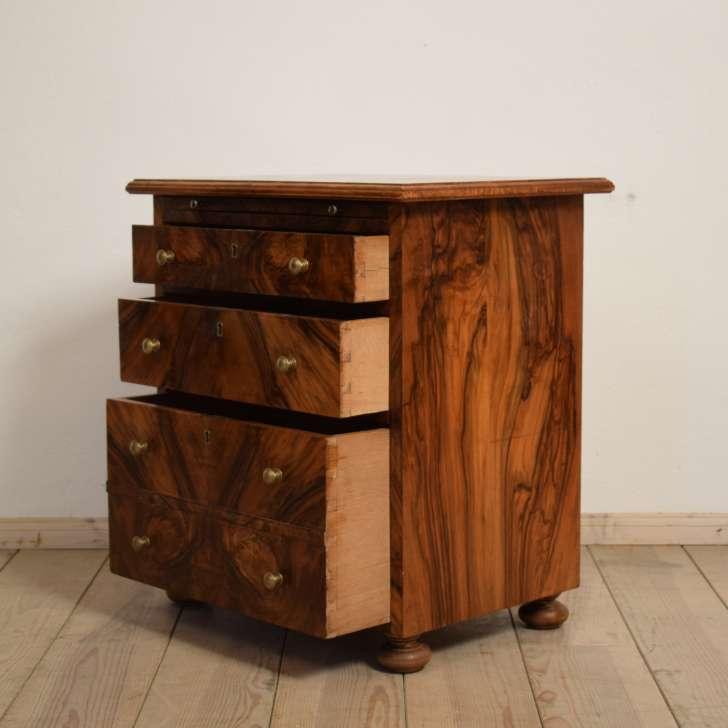 kleine kommode antiquit ten berlin antikm bel antike m bel. Black Bedroom Furniture Sets. Home Design Ideas